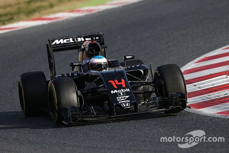 "McLaren halted by ""relatively minor"" issue"