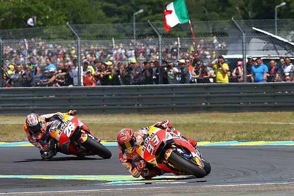 MotoGP Noticias de última hora Márquez cree que sufre más que Pedrosa por la carcasa blanda