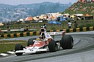 Vintage Hakkinen corre com McLaren M23 de Emerson Fittipaldi