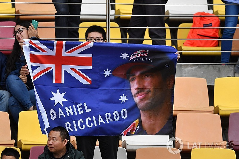 Риккардо назвали лучшим гонщиком Гран При Китая. Вы согласны?