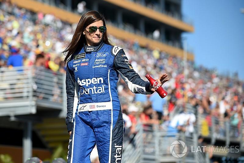 Danica Patrick, Haas-Stewart Racing'e veda etti