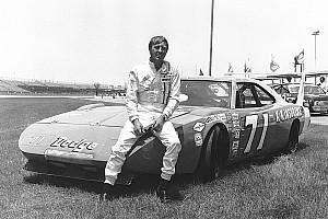 NASCAR Cup Noticias de última hora El caso de la misteriosa voz que hizo a un campeón retirarse de NASCAR