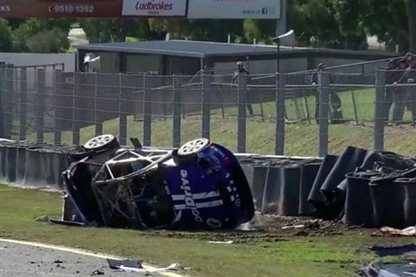 Сандаун 500: жахлива аварія зупинила першу кваліфікаційну гонку
