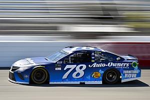 NASCAR Cup Reporte de la carrera Truex gana una segunda etapa accidentada en Richmond