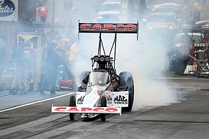 NHRA Qualifying report Steve Torrence wins Top Fuel Traxxas Nitro Shootout