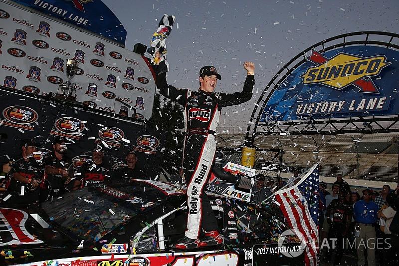 Harrison Burton crowned 2017 NASCAR K&N Pro East champion