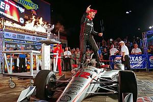 IndyCar Репортаж з гонки IndyCar у Техасі: Пауер виграв насичену аваріями гонку