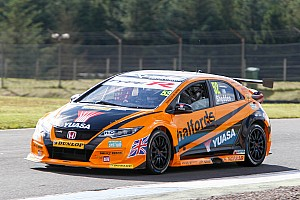BTCC Race report Rockingham BTCC: Shedden takes lights-to-flag Race 1 win