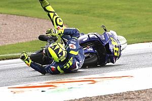 Rossi de nouveau à terre après avoir lutté pour la victoire