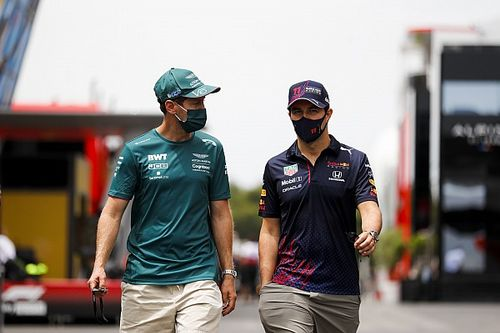 ¿Por qué Vettel le deseó Feliz Navidad a Sergio Pérez en Bakú?