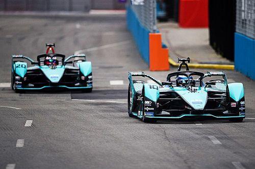 Jaguar доминировала в квалификации 2 гонки Формулы Е в Нью-Йорке