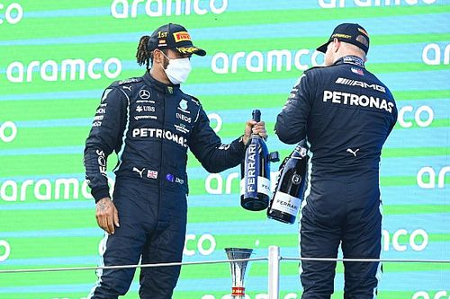 """Hamilton: """"Bottas, takım emrinin ardından tamamen adil davrandı"""""""