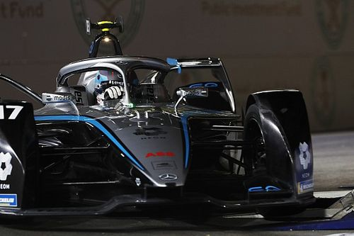 Diriyah E-Prix: De Vries tops first practice from Lotterer