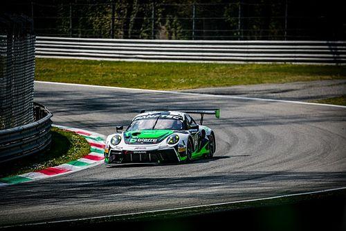 Monza GTWCE: Porsche crew defeats Mercedes in rain-affected race