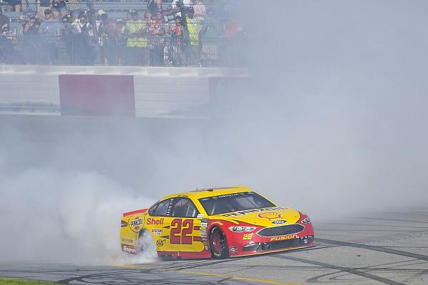Логано впервые в сезоне выиграл гонку NASCAR