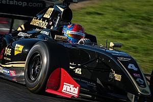 Формула V8 3.5 Отчет о гонке Фиттипальди выиграл вторую гонку в Сильверстоуне, Оруджев второй