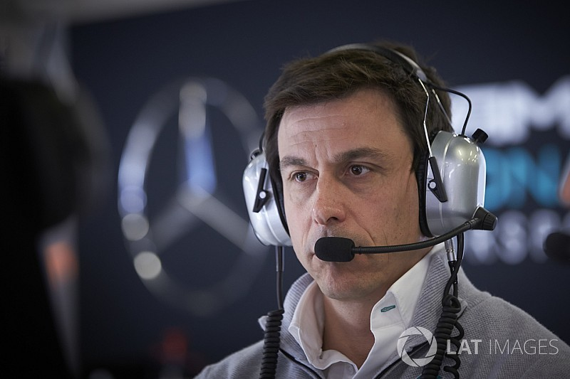 Mercedes imitaría a Ferrari y establecería un equipo B en la F1