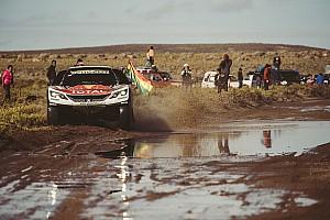 Dakar ステージレポート 【ダカール】第10ステージはローブ首位。ペテランセルはバイクと衝突