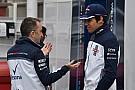 Formula 1 Lowe, geride kalmalarını