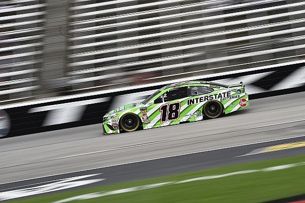 NASCAR Sprint Cup Kyle Busch vence a su hermano Kurt en la etapa 2 en Texas