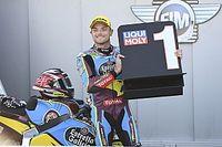 Moto2: Marini cae, Lowes gana y arde el campeonato