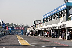 F1 race director Whiting inspects Buenos Aires track