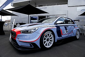TCR Breaking news Hyundai pajang i30 TCR di Nurburgring