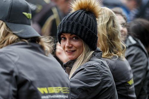 Hawkins replaces Neate at Motorbase for Snetterton BTCC round