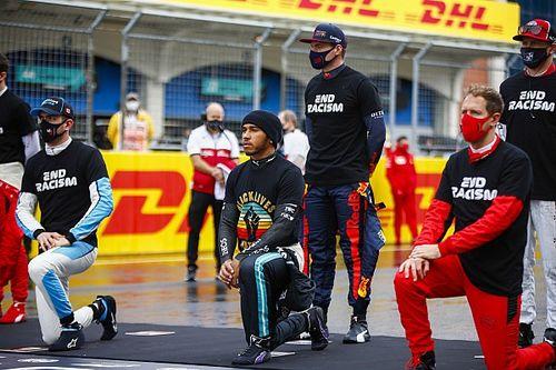 Hamilton még nem tudja, letérdel-e idén is a futamok előtt