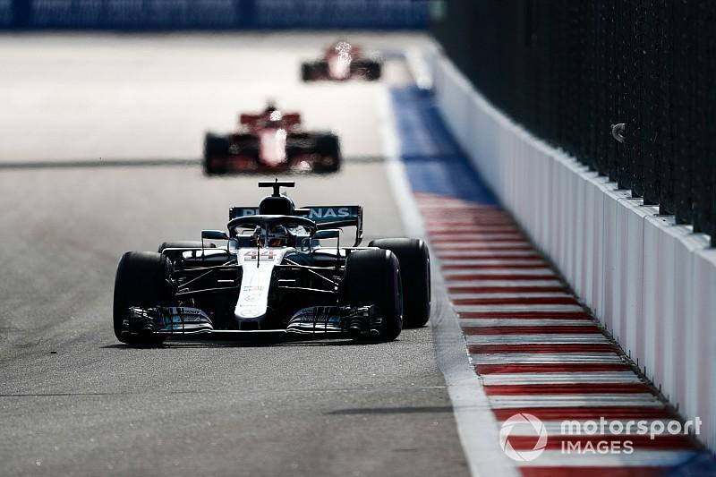 Sıkıcı Sochi yarışının ardından Hamilton, yarışın tam tersi yönde yapılmasını istiyor