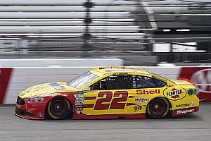 NASCAR Sprint Cup Crónica de Carrera Logano gana en Richmond con un doblete de Penske