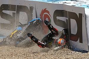 In beeld: De spectaculairste MotoGP-crashes van 2017
