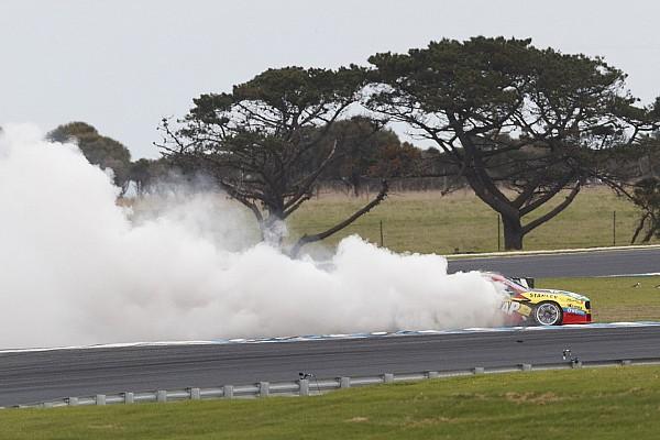 Гонщика Supercars оштрафовали на 3000 долларов за победные «пончики»