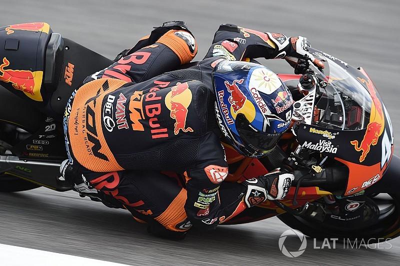 Oliveira gana en Moto2 desde la 11° posición