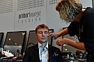 Гонщики Ф1 приняли участие в модном показе: фото