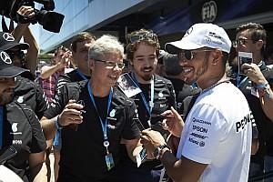 """Hamilton: """"Félek, hogy valamit kihagyok, ezért mindenben benne vagyok"""""""