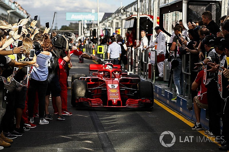 Vettel: Ferrari ile yarıştığım için mutluyum