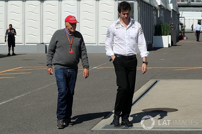 Mercedes, kalan dört yarışı da kazanmayı hedefliyor