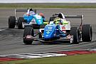 Formule Renault FR 2.0 Barcelona: Shwartzman wint eerste race