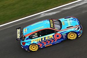 BTCC Yarış raporu BTCC: Brands Hatch Indy'de üç yarışta üç farklı kazanan