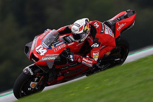 """Stoner: Ducati """"can't afford to lose"""" Dovizioso"""