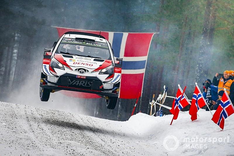 WRC Zweden: Tanak soeverein aan de leiding, Neuville jaagt op podium