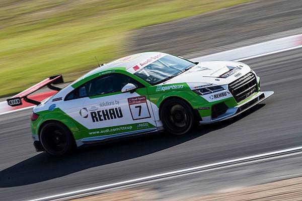 Egyéb autósport BRÉKING Audi TT Cup: Keszthelyi kórházban marad megfigyelésre