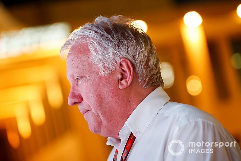 Tragédia: elhunyt Charlie Whiting, az F1 versenyigazgatója