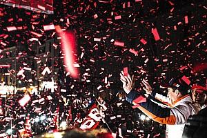 MotoGP Diaporama Marc Márquez célèbre son titre mondial en Espagne