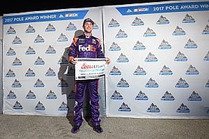 NASCAR Sprint Cup Crónica de Clasificación Hamlin se queda con una Pole emocionante