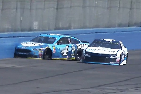 NASCAR Sprint Cup Noticias Finaliza racha de triunfos de Harvick tras chocar en la Etapa 1