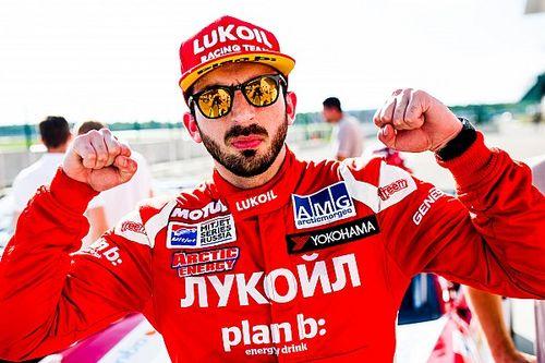 Был на разогреве у Формулы 1 и не мог встать после финиша. Пилот из Москвы начинает сезон в европейском монокубке Lamborghini