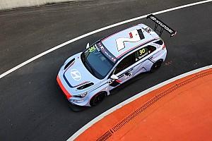 TCR Репортаж з гонки TCR у Китаї: Тарквіні виграв першу гонку