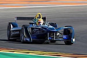 Formule E Nieuws Voormalig F1-coureur Haryanto test Formule E-auto
